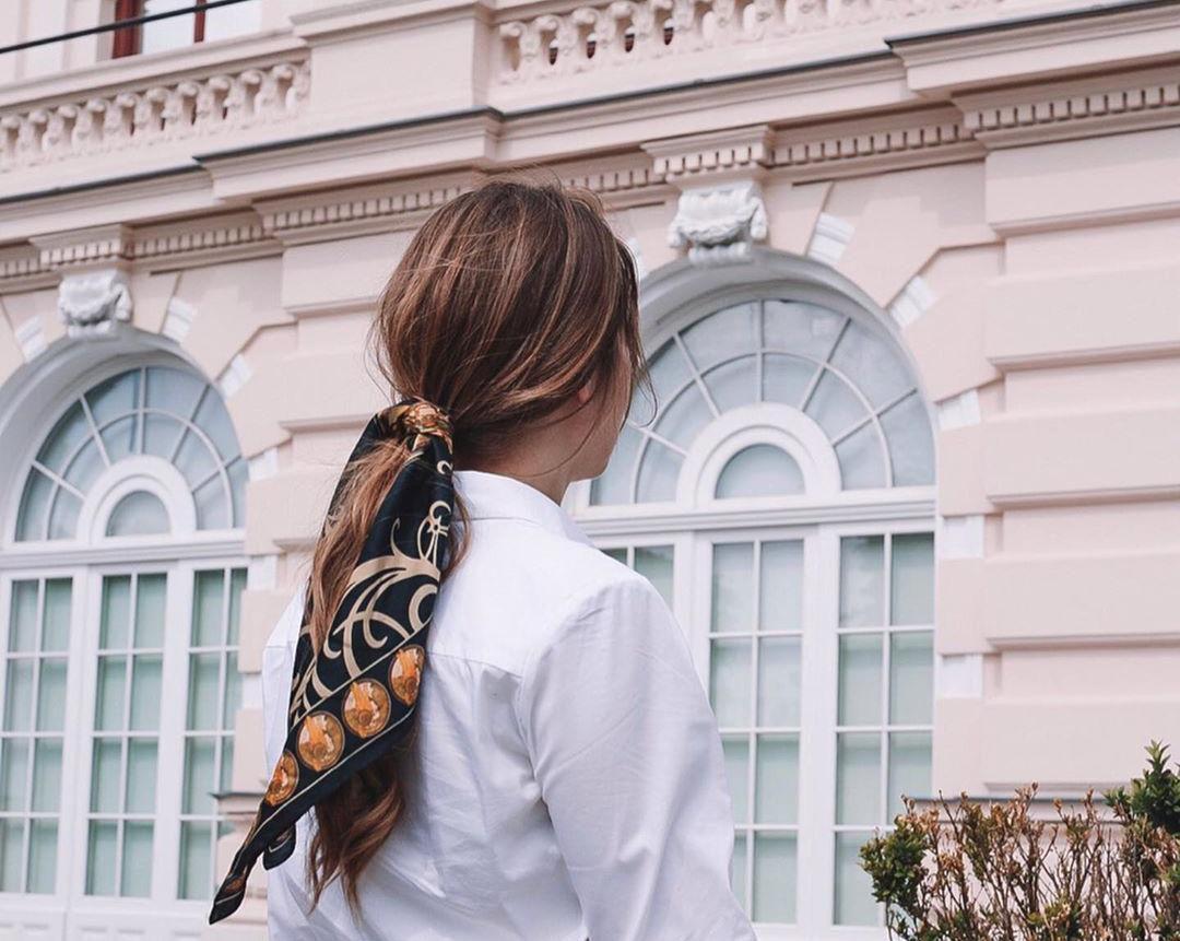 Pet odličnih načina na koje će marama nadograditi vašu frizuru