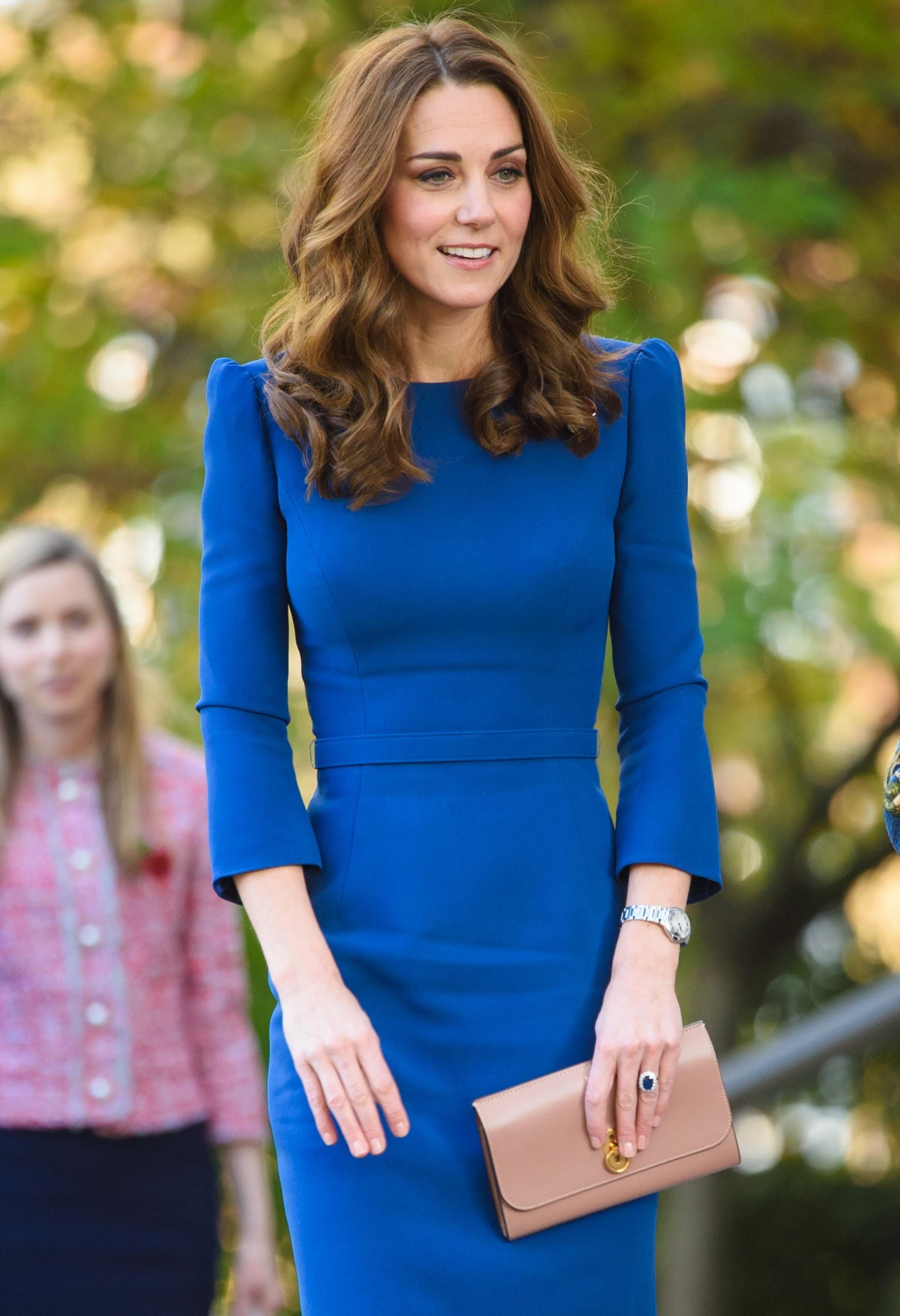 """Ukradite """"kraljevski"""" trik: Kate je na haljini promijenila samo jedan detalj i dobila sasvim novi outfit"""