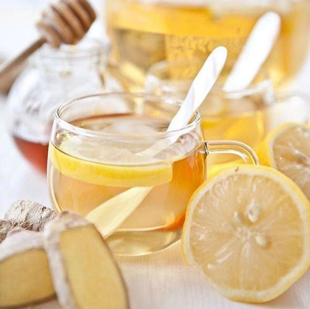 Zašto ujutro pijemo mlaku vodu s medom?