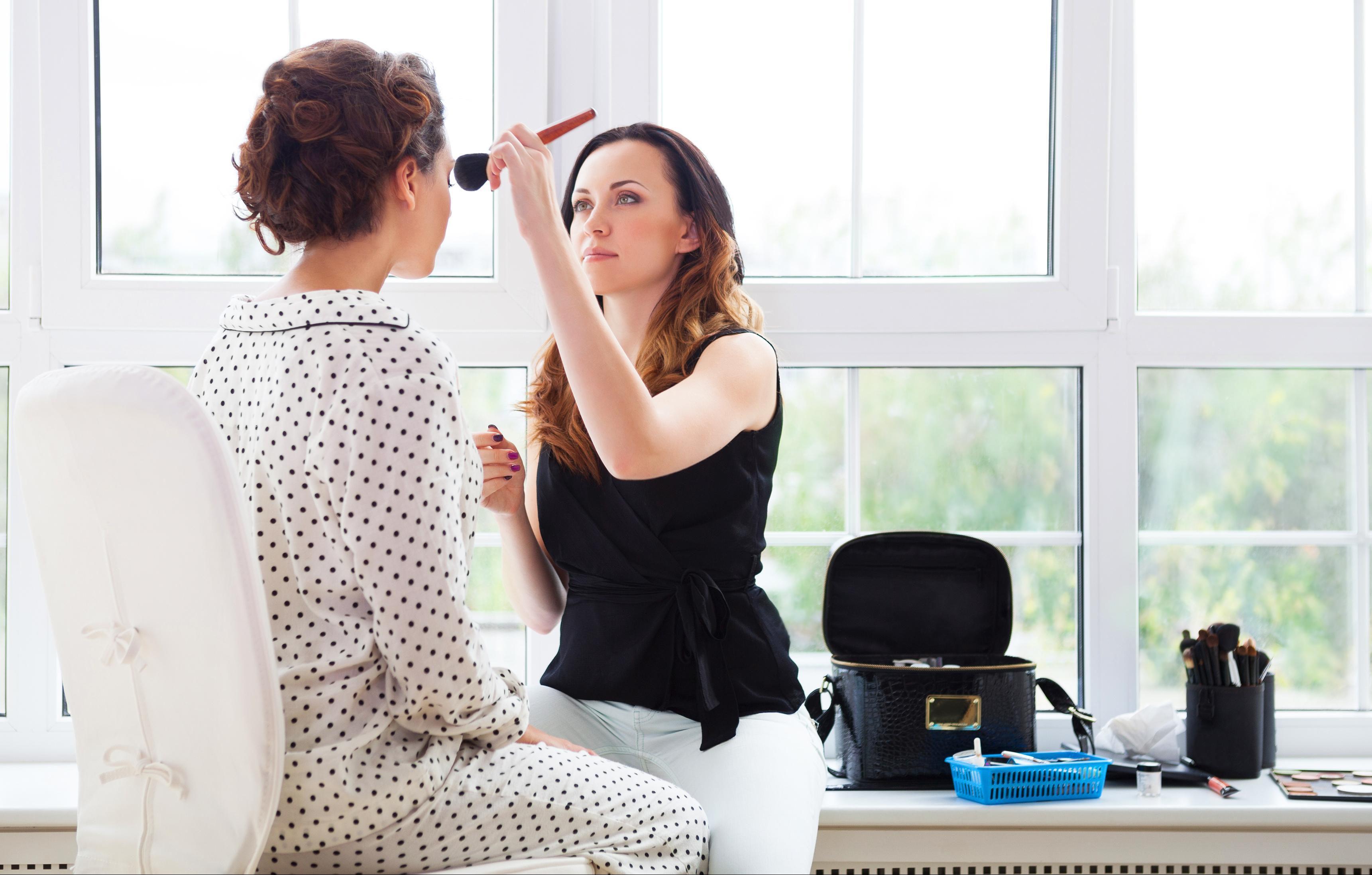 Radite li i vi ovo u kozmetičkim salonima? Ako da, smjesta prestanite!