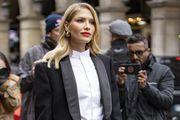Wow, kakva elegancija! Popularna manekena ukrala pozornost u jednostavnom crnom odijelu