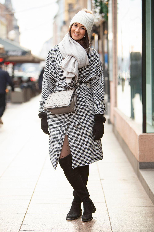 Brineta sa špice nosi uzorak koji baš nikad ne izlazi iz mode, a osvojila nas je svojim osmijehom