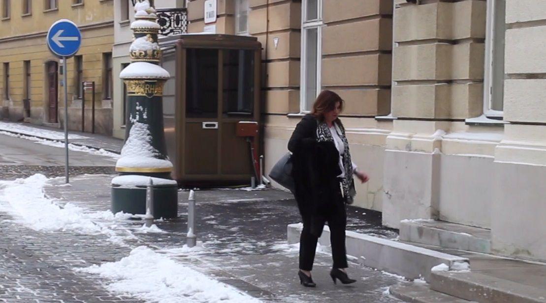 """Nespremna za snijeg:  Minstrica Žalac """"nabadala"""" u potpeticama do Sabora"""
