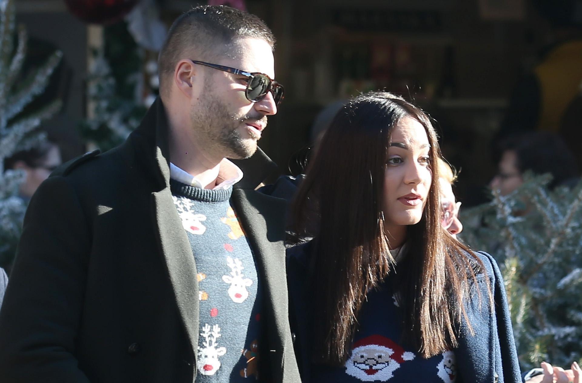 Ovaj par pokazao nam je kako ružni božićni džemperi mogu izgledati fantastično