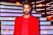 """Grubnić u dizajnerskom crvenom odijelu i upečatljivim tenisicama: """"Kad se dvoumite što odjenuti, nosite crveno"""""""