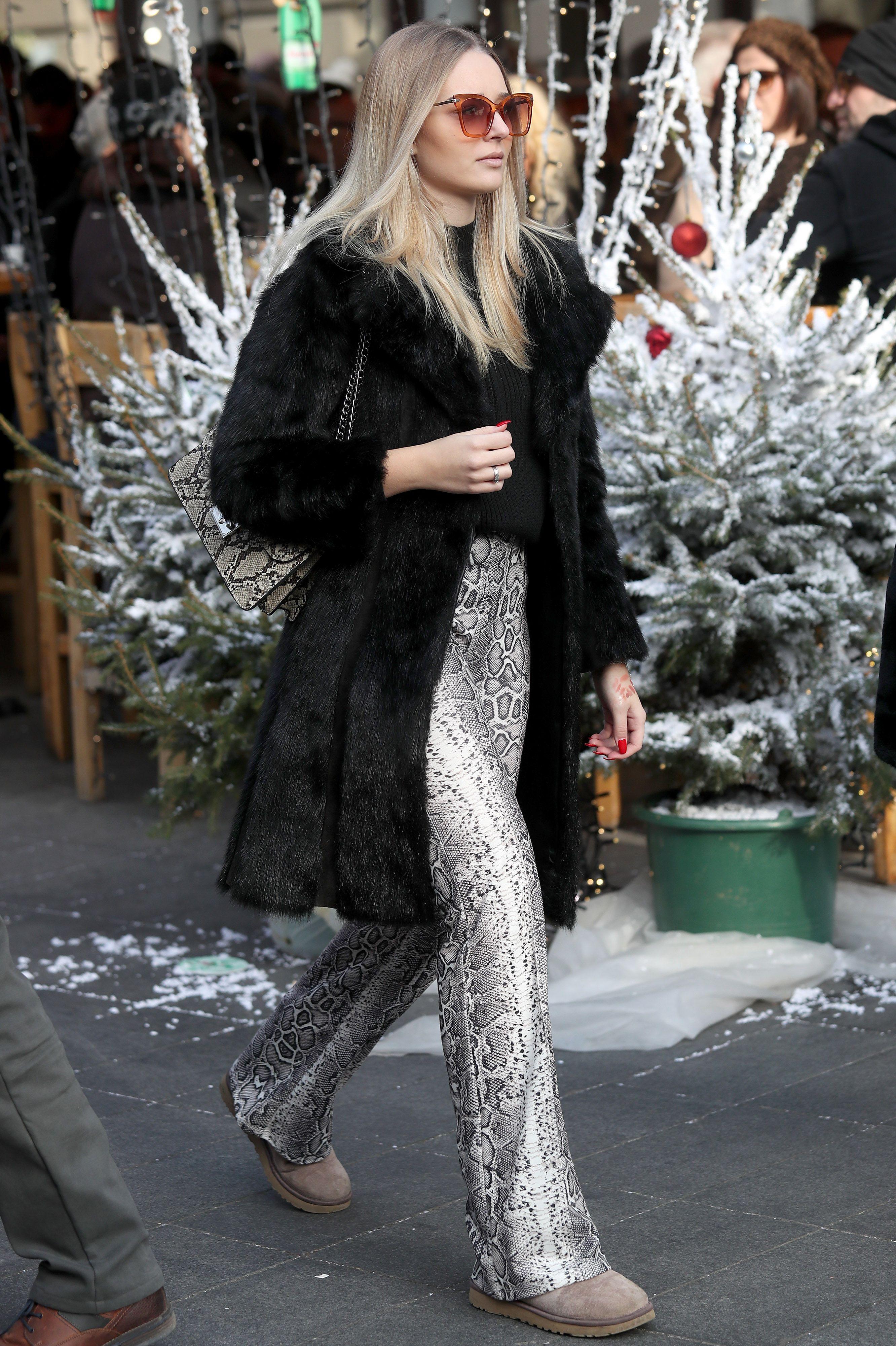 Ne morate ih voljeti, no morate priznati: Ona odlično nosi hit hlače sezone!