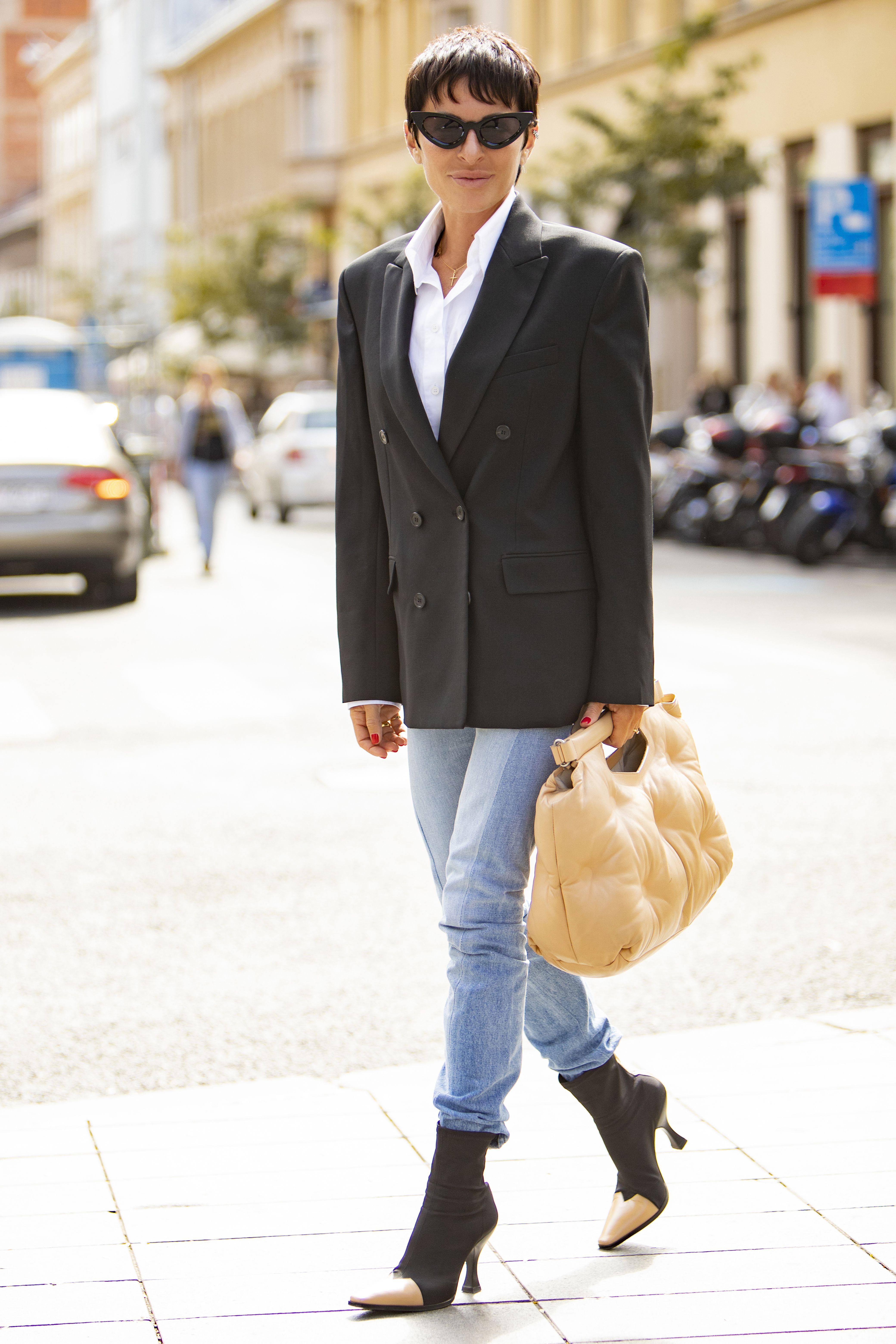 Poznata zagrebačka odvjetnica prošetala u stylingu koji ne možete ne primijetiti