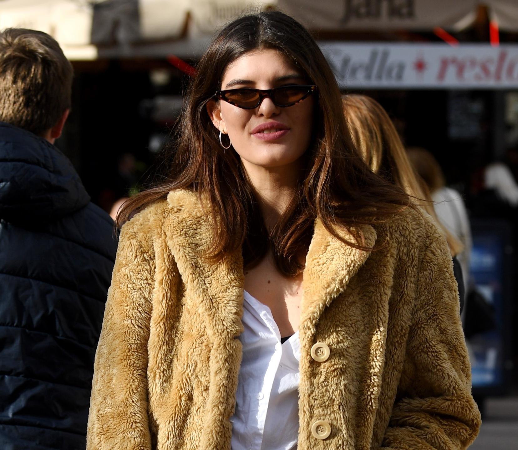 Ona nosi torbu kakvu nemamo priliku često vidjeti na zagrebačkim ulicama