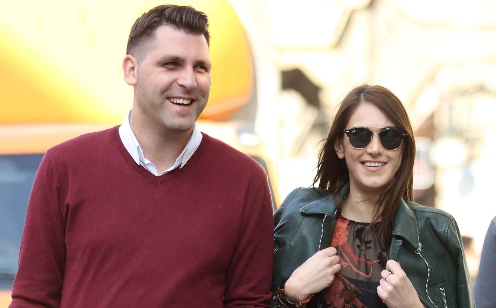Ovaj par u centru Zagreba skroz nas je osvojio, a ona je blistala u najpopularnijoj haljini sezone