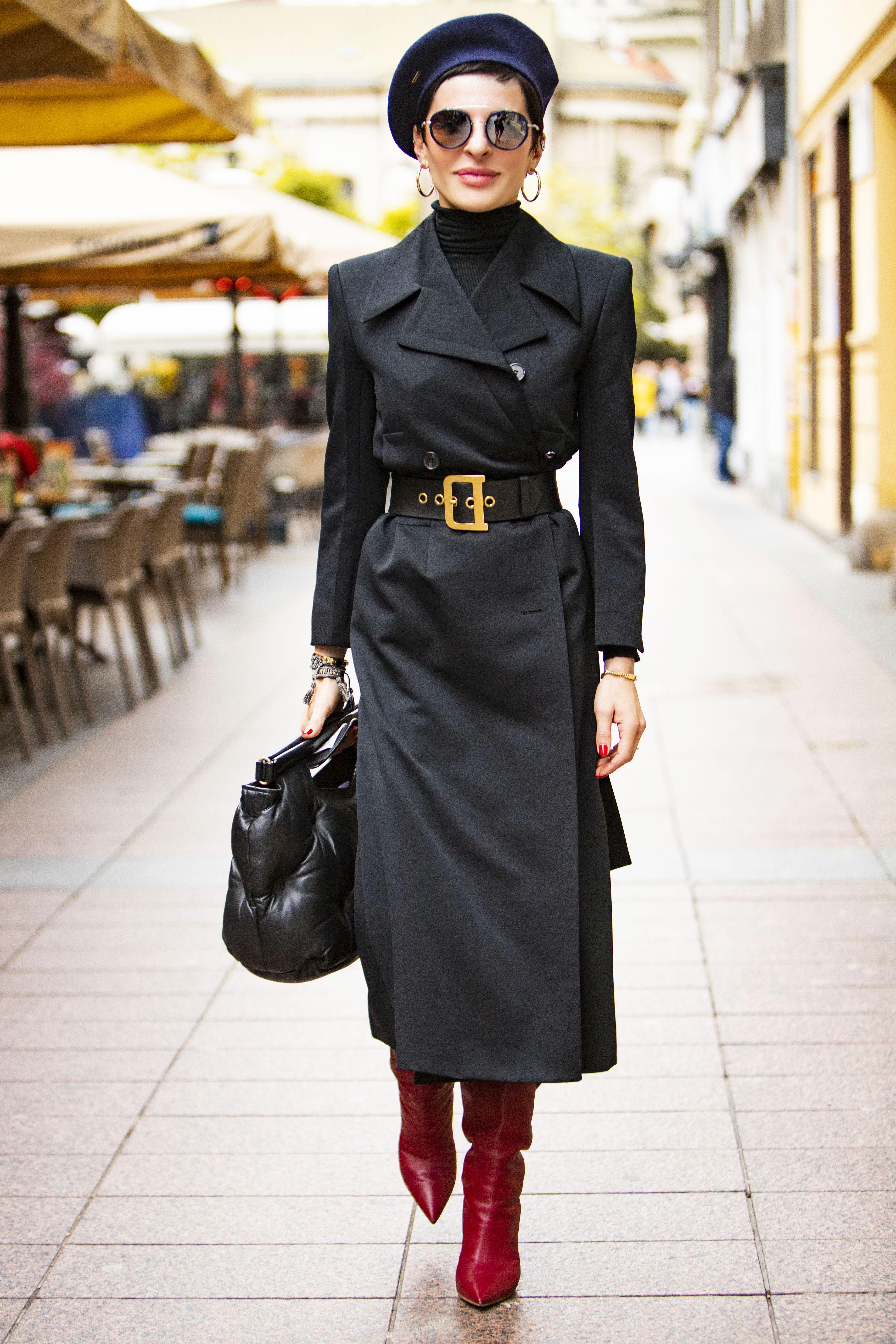 Baš nam se sviđa: Stylish odvjetnica u ovom stylingu izgleda kao kakva misteriozna detektivka!