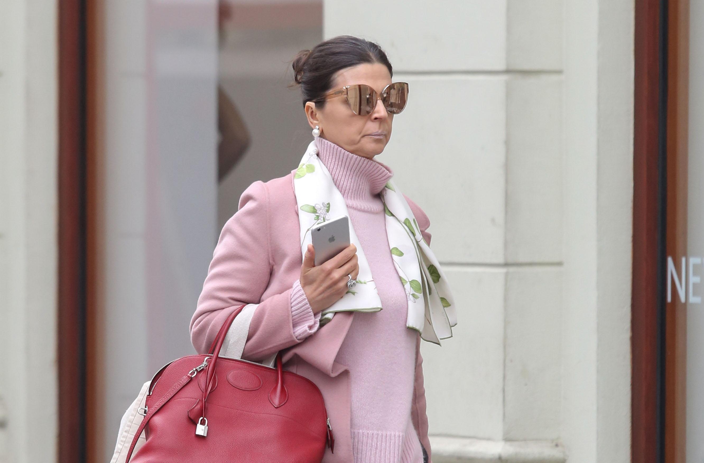 Kakva elegancija! Dama u ružičastom pomela centar Zagreba