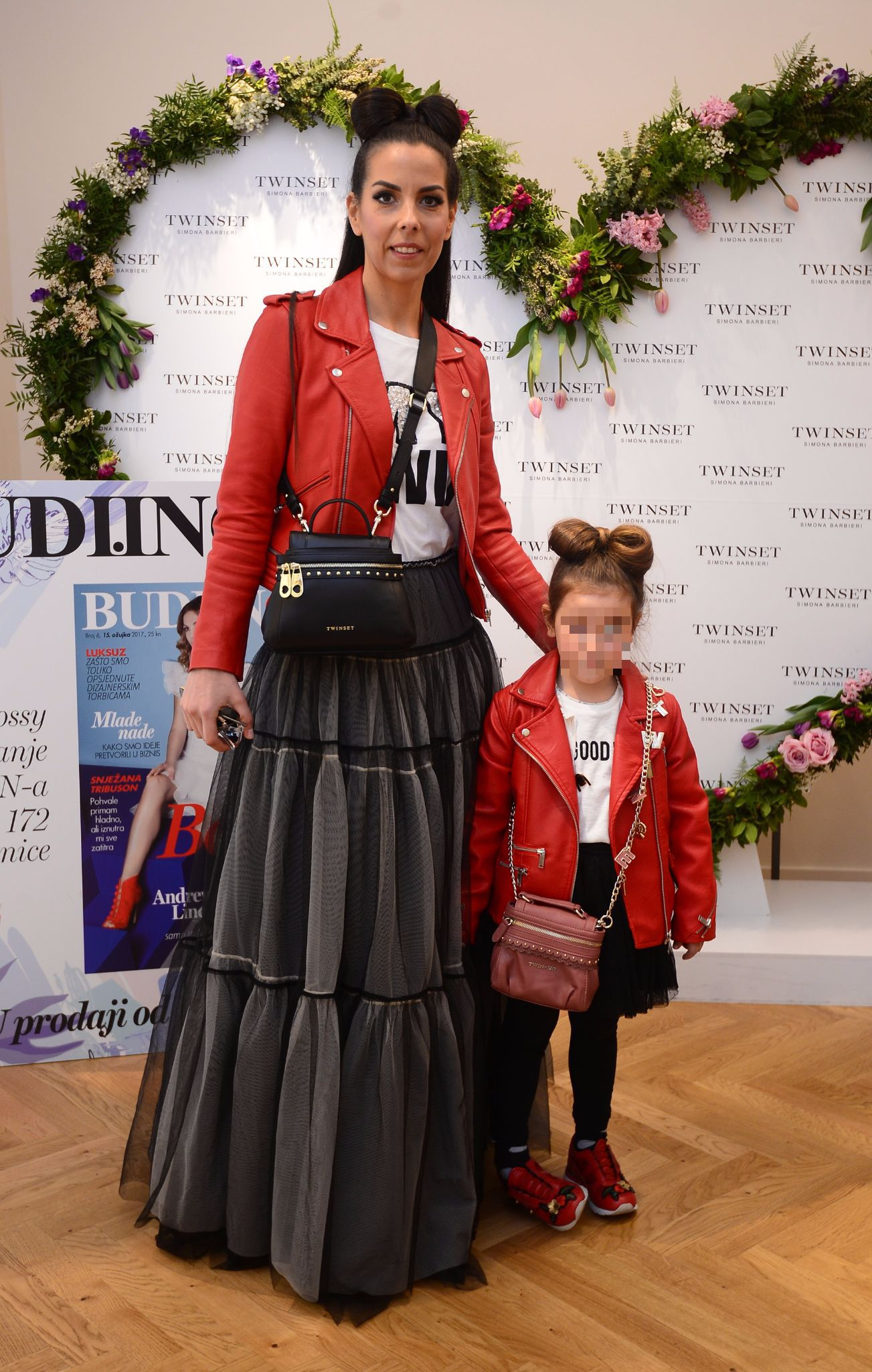 Olja Vori i njena kćer u istim kombinacijama za šetnju špicom