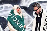 Je li ovo Balenciaga šal ili prekrivač? Marko Grubnić i njegova majka u istom izdanju