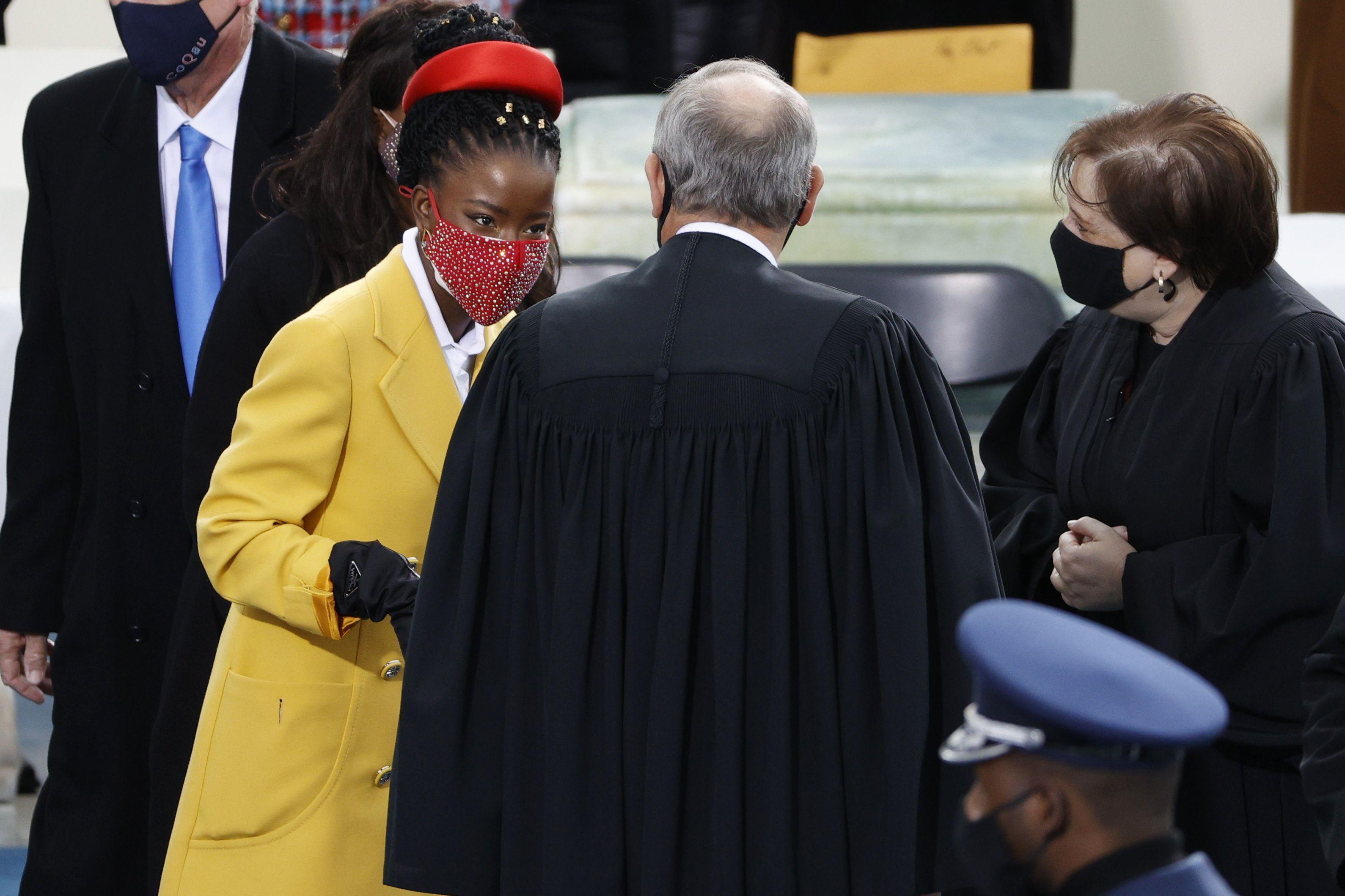 Tko je Amanda Gorman, 22-godišnjakinja koja je osvojila svijet na Bidenovoj inauguraciji?