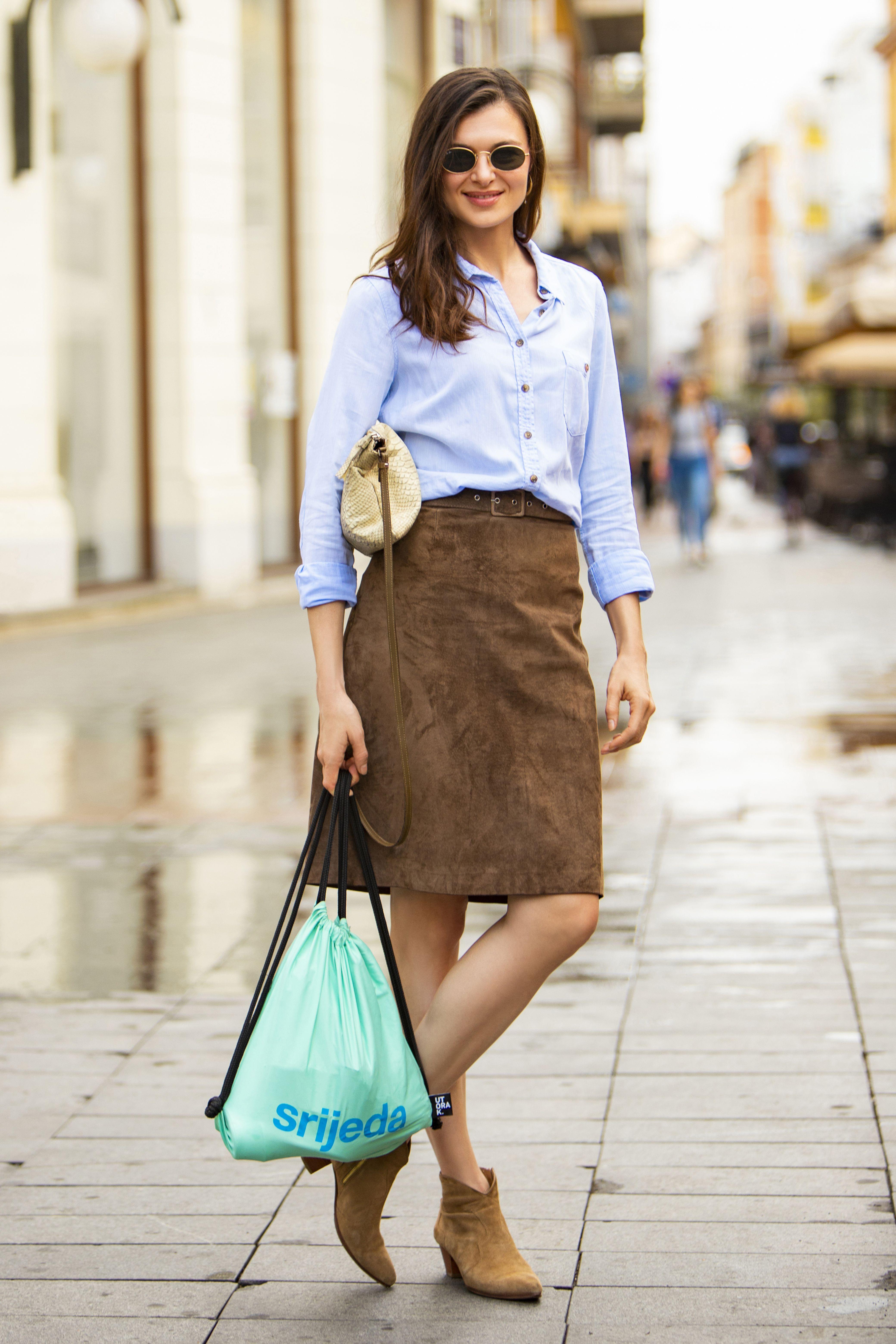 Košulja i suknja iz second hand dućana - za Martinu ovo je formula dobrog stylinga!