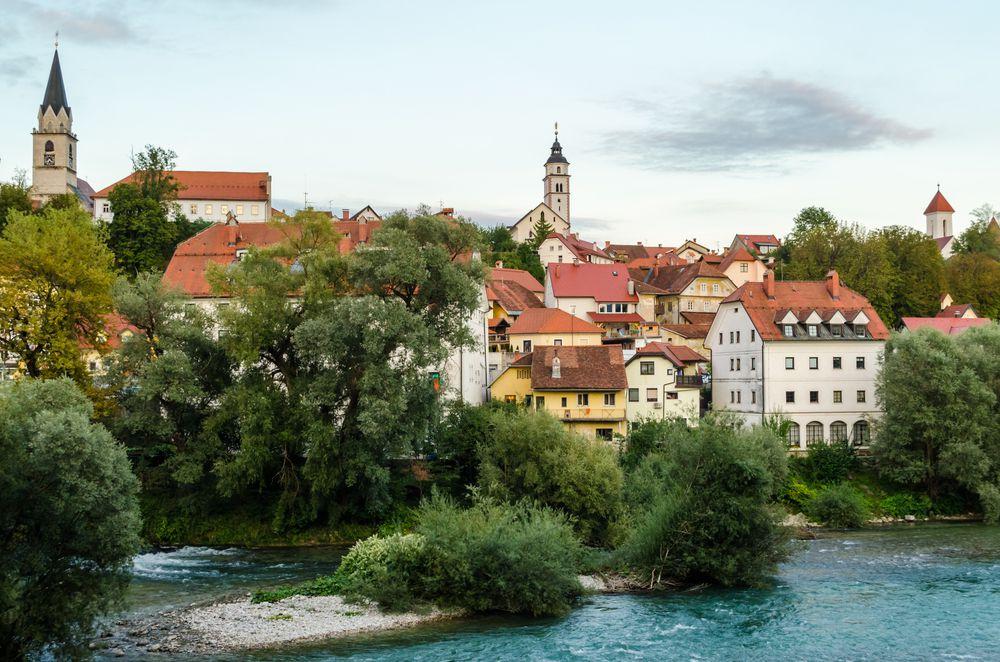 Ovih 10 slovenskih malih gradova osvojit će vas na prvu