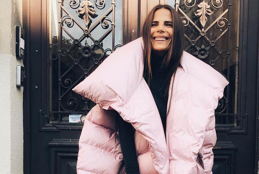 Naša manekenka nosi najneobičniju zimsku jaknu, ali i dizajnerske čizme koje sve trendseterice žele u ormaru!