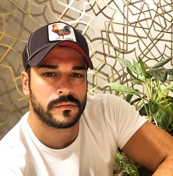 Cure, pozor, Burak je objavio fotku nove frizure na Instagramu!