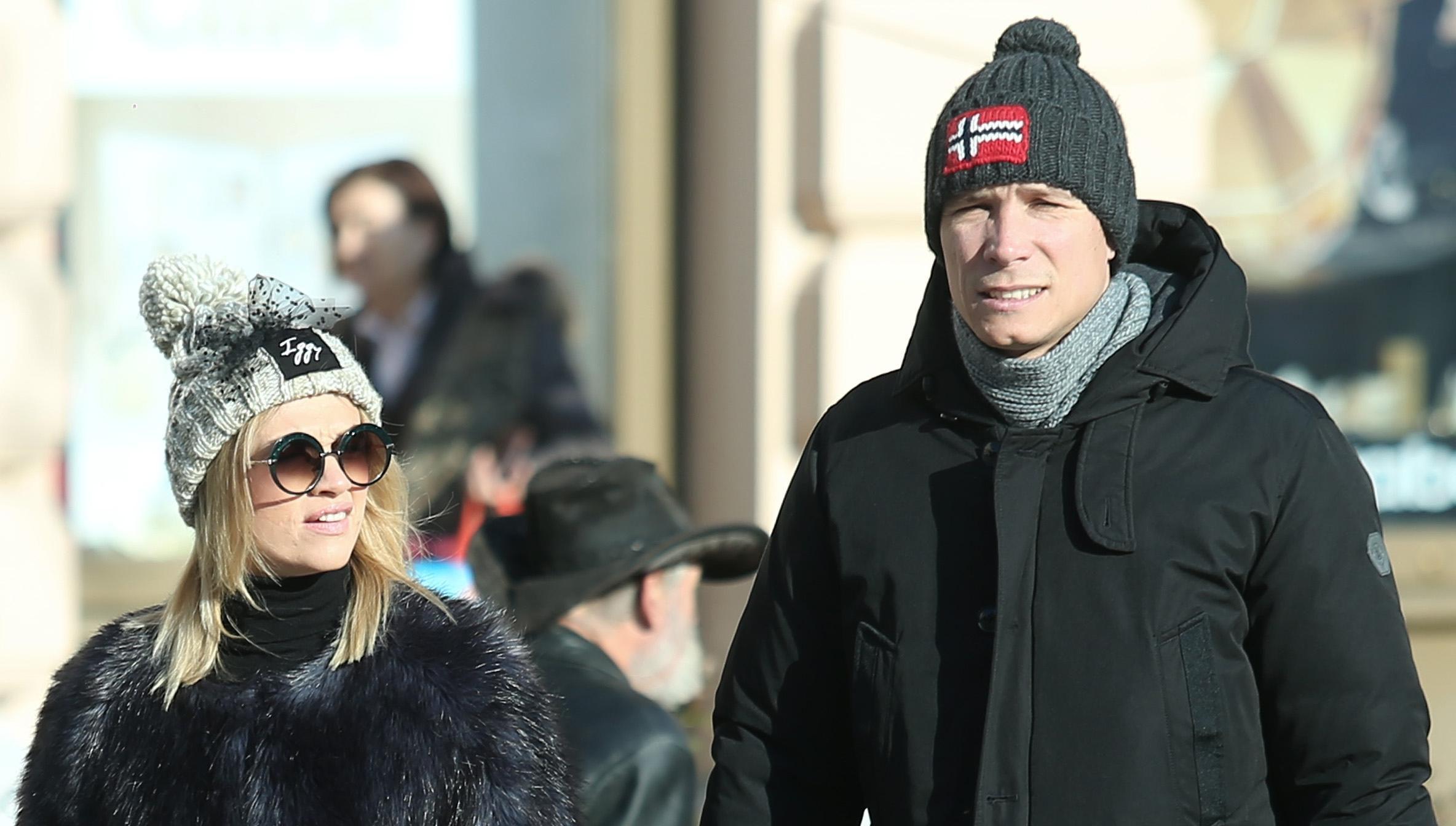 Zgodan par pokazao kako se može biti jako stylish i na minusu!