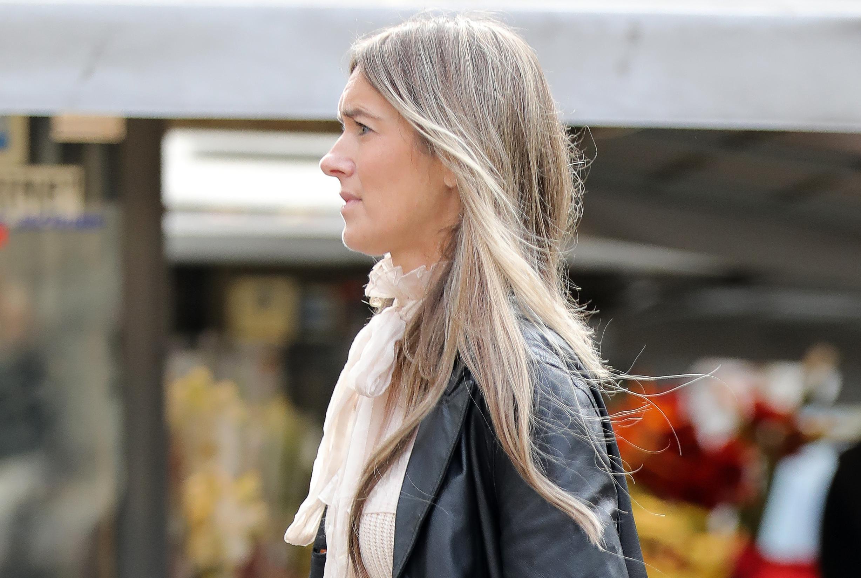Jedan od odvažnijih outfita sa zagrebačke špice: Stajliš dama nosi hlače i baloner kakve ne bi svatko mogao isfurati