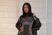 Kylie Jenner odjenula pripijeni Asosov kombinezon, a on se zatim rasprodao u nekoliko minuta