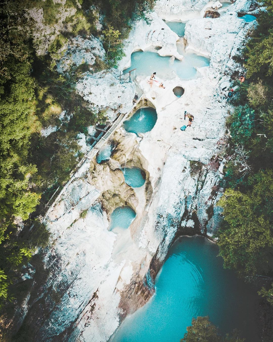Nestvarni Kotli: Malo mjesto u unutrašnjosti Istre koje očarava tirkiznim slapovima i prirodnim bazenima