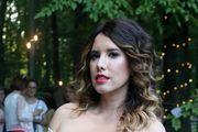 I Nives Celsius se prepustila seksi modnom trendu: fanove razveselile fotografijom bez grudnjaka