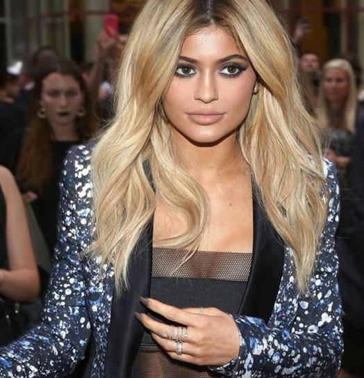 Boja kose kao u Kylie