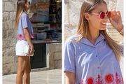 Kako je zgodna: Bluza i kratke hlačice kao formula dobrog stila!