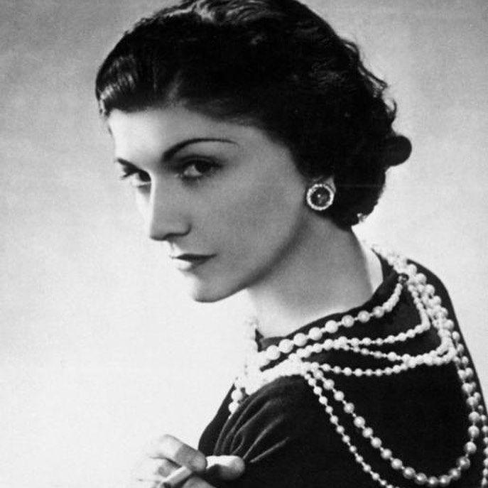 Na današnji dan rođena je Coco Chanel! Bešćutno je ostavljena u sirotištu, a tamo je naučila šivati