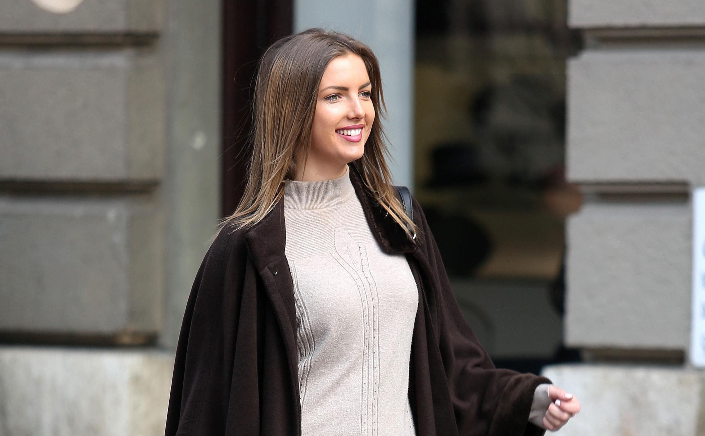 Ni hladan zimski dan nije ju spriječio da nosi ultrakratku minicu