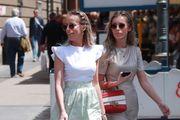 Modne blizanke oduševile outfitom: Izgledale su kao filmske zvijezde
